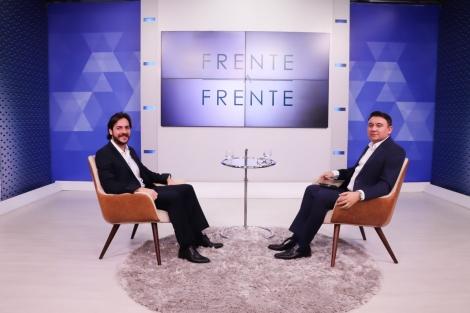 O deputado federal e presidente estadual do PSDB, Pedro Cunha Lima foi o entrevistado da noite desta segunda-feira (15) do programa Frente a Frente da TV Arapuan