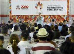 O prefeito de João Pessoa, Luciano Cartaxo, reuniu mais de mil pessoas na noite desta quinta-feira (14), no início da rodada de Assembleias Regionais do Ciclo 2019 do Orçamento Participativo (OP) na Escola Municipal Raimundo Nonato, no Colinas do Sul