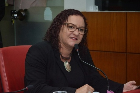 Sandra Marrocos, atualmente filiada ao PSB paraibano, não tem economizado declarações para apimentar ainda mais o imbróglio envolvendo a manutenção do presidente Edvaldo Rosas