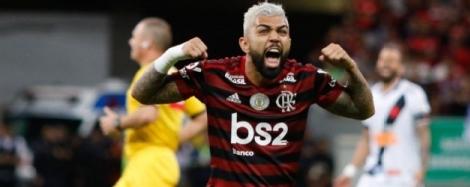 O Flamengo goleou o Vasco por 4 a 1 no clássico da 15ª rodada do Brasileirão, neste sábado, no Mané Garrincha. Com dois gols, Bruno Henrique foi o nome do jogo
