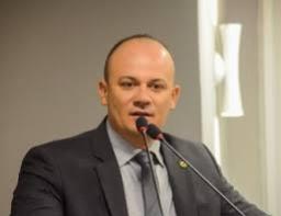Cabo Gilberto Silva (PSL) voltou a cobrar atenção do governador João Azevedo aos policiais paraibanos e destacou o verdadeiro ponto da reivindicação