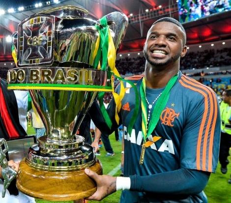 Botafogo-PB negocia contratação do goleiro Felipe, ex-Flamengo e Corinthians