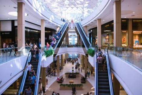 O Manaíra e o Mangabeira Shoppings anunciaram que irão antecipar o seu fechamento para esta sexta-feira (20). Hoje, o prefeito Luciano Cartaxo determinou o fechamento dos shoppings da capital para a próxima segunda-feira (23)
