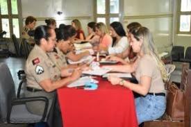 Os candidatos que foram convocados para a nova turma de soldados da Polícia Militar começaram a fazer a pré-matrícula, nesta segunda-feira (18)