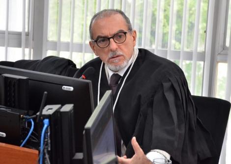 O desembargador Ricardo Vital de Almeida determinou a notificação de quatro denunciados no processo da Operação Calvário para se manifestarem sobre o descumprimento das regras de uso das tornozeleiras eletrônicas