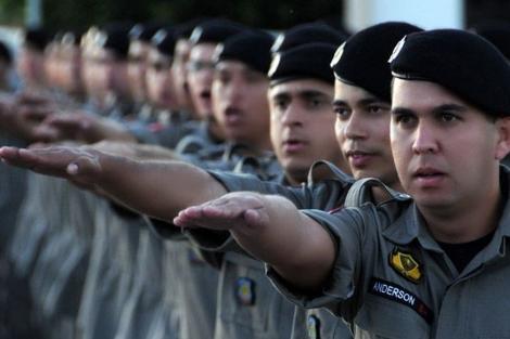 A remuneração atual do primeiro posto de oficial da PM, que é o 2º tenente, é de R$ 7.253,26. As inscrições já começam no dia 1º de junho, no site da Polícia Militar, com taxa de R$ 50