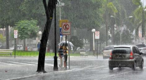 O Instituto Nacional de Meteorologia (Inmet) emitiu, na tarde desta segunda-feira (20), alerta de chuvas fortes para 38 cidades da Paraíba
