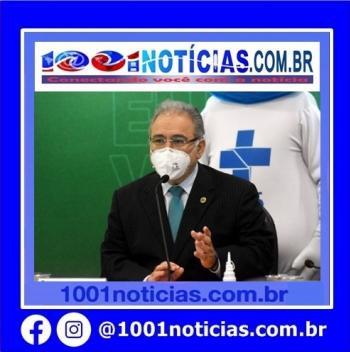 """Marcelo Queiroga, criticou a atuação da imprensa na cobertura da vacinação contra Covid-19 no Brasil e afirmou ser necessário """"parar de contar vacina"""", ao ser questionado sobre atrasos no Programa Nacional de Imunização (PNI)."""