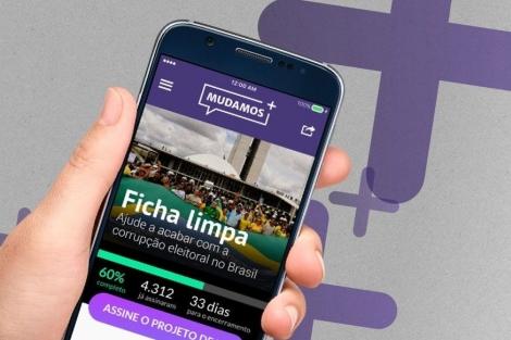 Márlon Reis e Ronaldo Lemos explicam o aplicativo Mudamos no programa 'Conversa com Bial'