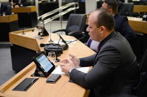 O deputado Cabo Gilberto denunciou o descaso que estão fazendo com os policiais militares na Paraíba