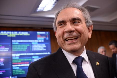 Raimundo Lira não 'abandona barco' do senado e aconselha Maranhão a pedir licença para Dona Nilda assumir
