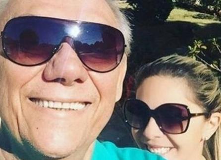 PÉ DE GUERRA  -  Família apaga fotos da namorada de Rezende e troca fechaduras
