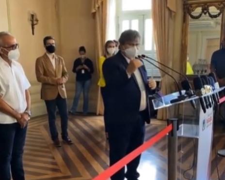 O governador João Azevêdo (Cidadania) e o prefeito Cícero Lucena (PP) se reuniram na manhã desta segunda-feira (22) para definir os parâmetros do novo decreto com medidas para conter a disseminação do novo Coronavírus na Grande João Pessoa