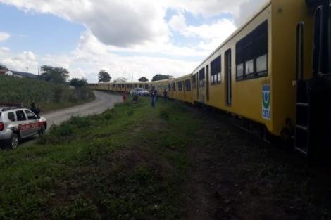 Acidente aconteceu no início da tarde deste sábado em um trecho da viagem. Até as 13h50, não havia informações sobre feridos