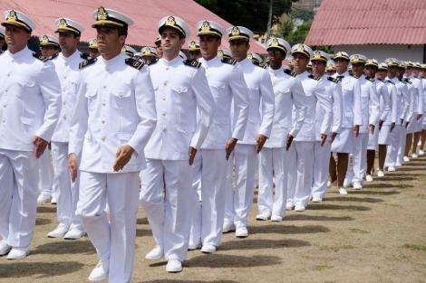 O posto inicial dos oficiais aprovados é como Guarda-Marinha, com remuneração de R$ 9.021,07 (Foto: Reprodução)