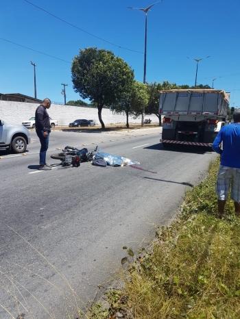 Um motociclista morreu em um trágico acidente na avenida Hilton Souto Maior, na principal do José Américo, em João Pessoa