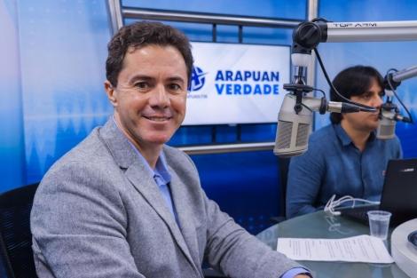 O senador paraibano Veneziano Vital (PSB) afirmou nesta quarta-feira (25) que as medidas e atitudes tomadas até agora pelo presidente da República Jair Bolsonaro mostram que ele só pensa em sua reeleição e esquece os problemas sociais e econômicos que est