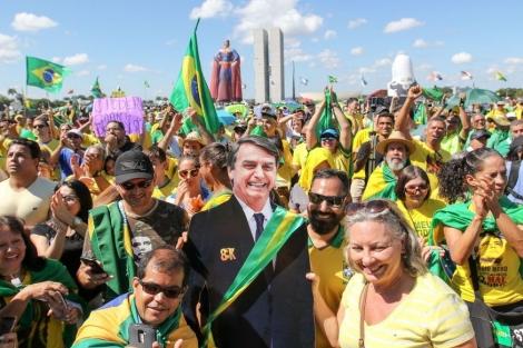 A manifestação foi convocada por movimentos como Ordem e Progresso; Limpa Brasil; e Organização Nacional dos Movimentos