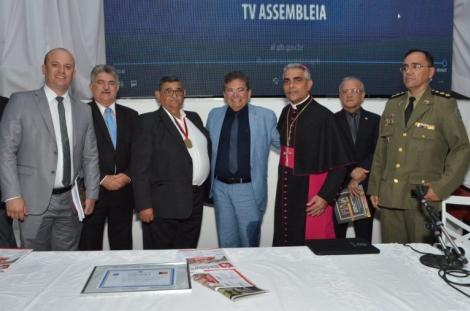 O empresário Ivanildo Coutinho de Sousa, dono da Guaraves, foi homenageado com a Medalha do Mérito Empresarial José de Paiva Gadelha.