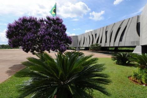 Segundo a DPU, existem hoje no Brasil cerca de 2 mil pessoas presas por não pagarem pensão alimentícia. (Foto: Reprodução