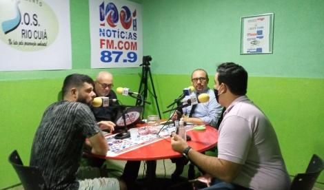 Radialista Roberto Notícia apresenta com Jacyara Cristina o Programa Resumo Final na Rádio 1001 Notícias Fm de segunda à sexta das 17:00 às 19:00 horas