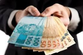 CUIDADO  -  Cédulas de dinheiro podem espalhar Coronavírus, saiba mais