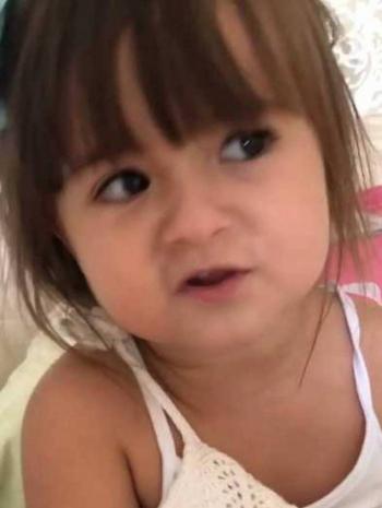 Menina conquista a Web por vídeo pedindo para a pandemia passar
